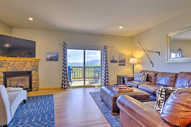 NEW! Mtn Retreat w/ Sweeping Views, Near Skiing, alquiler de vacaciones en Wildernest