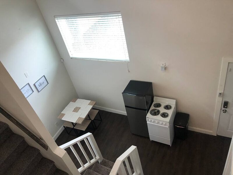 Guest House with Loft Near Downtown, holiday rental in Elmendorf