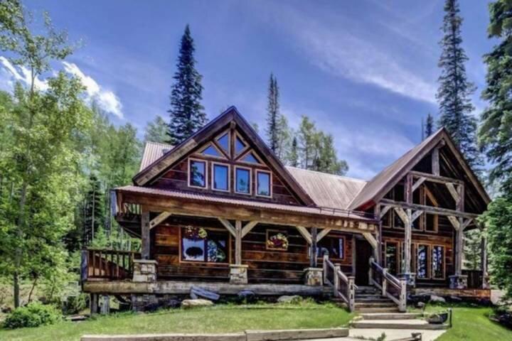 Stellar Front Porch Views! Private 1.5 Acres, 2 Master Suites w/Cali Kings, Medi, casa vacanza a Placerville