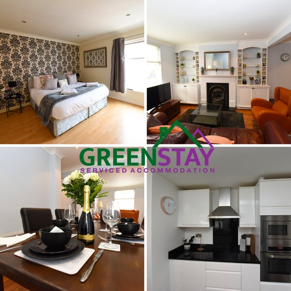Honeysuckle House ⭐️Close to Racecourse ⭐️ Roman Walls and Chester Zoo, vakantiewoning in Ledsham