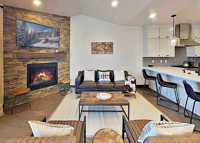 New Luxury Home in Black Rock Ridge - Mountain Views, Near Slopes & Trails, holiday rental in Peoa