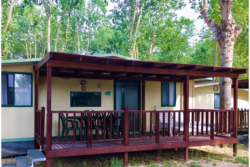 Punta Navaccia Mobilhome Standard 2, location de vacances à Tuoro sul Trasimeno