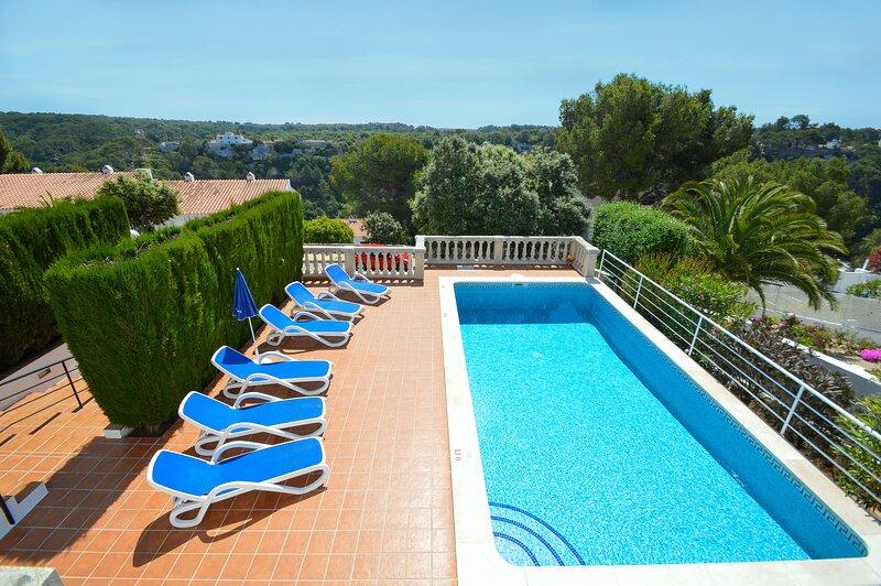 Villa Magnolia en Cala Galdana-piscina privada, free wifi, aire acondicionado, holiday rental in Ferreries