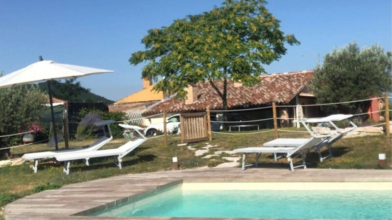 Le Rondinelle - Beautiful Apartment for 6 guests, holiday rental in Montefortino