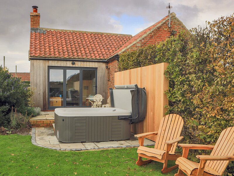 Lovesome Cottage, Northallerton, vacation rental in Hurworth-on-Tees