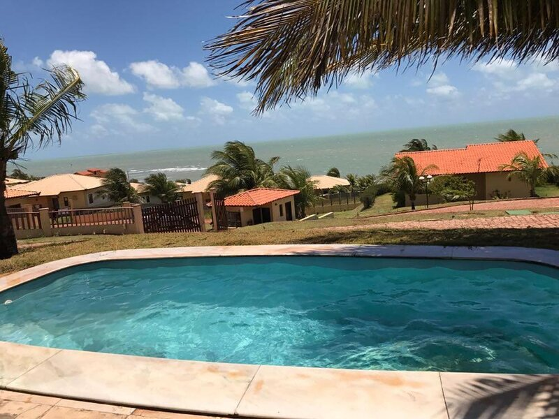 Chalé Litoral Nordeste 22 Master com piscina privada, holiday rental in Maracajau