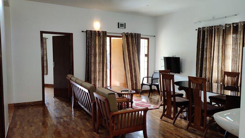 PEARS GADEN BUNGALOW 4 BED ROOMS, holiday rental in Kodaikanal