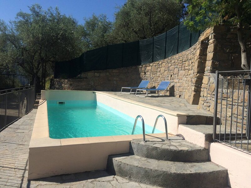 Amazing villa with swimming-pool, location de vacances à Sospel