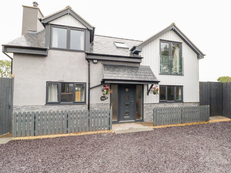 Hunters Cottage, Benllech, holiday rental in Brynteg