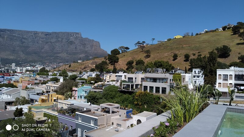 Two bedroom apartment in vibrante De Waterkant, holiday rental in De Waterkant