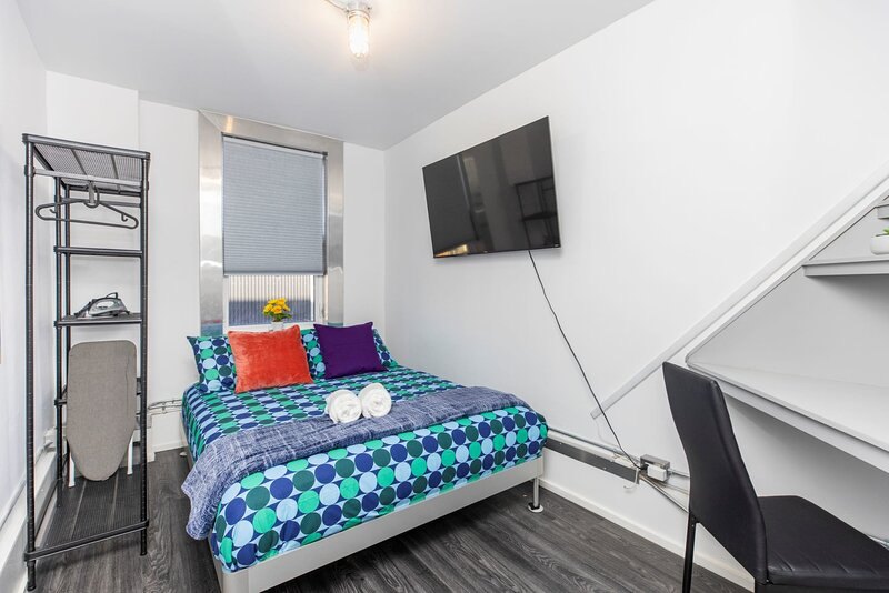 PRIME Location - Trendy 1BR in the Byward Market!, vakantiewoning in Gatineau