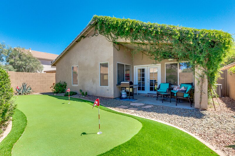 Living Large! Super Home with Incredible Community Pool!, holiday rental in Maricopa