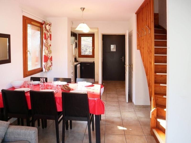 Chalet mitoyen en résidence 4 étoiles, Ferienwohnung in Les Orres