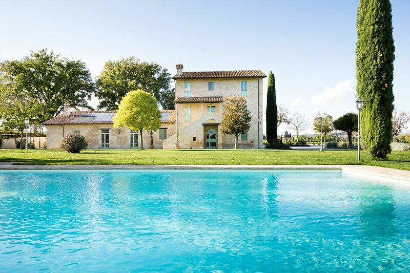 Stazione Villa Sleeps 18 with Pool Air Con and WiFi - 5874627, holiday rental in Marsciano