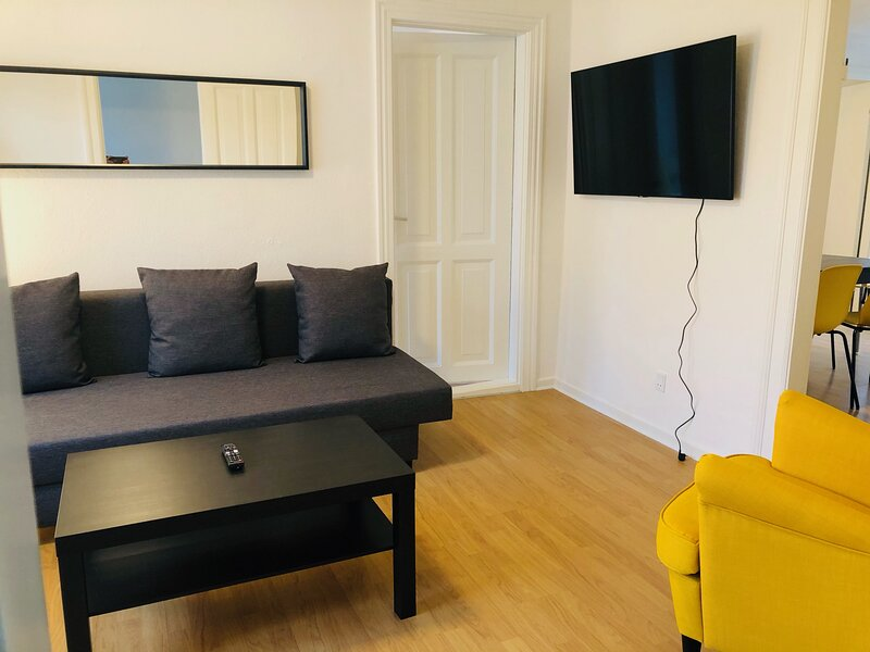 Adnana - Reberbansgade Central Apartment, holiday rental in Gistrup