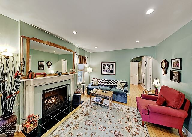Remodeled Home w/ Large Private Deck & Yard - Near Black  Mountain, alquiler de vacaciones en Ridgecrest