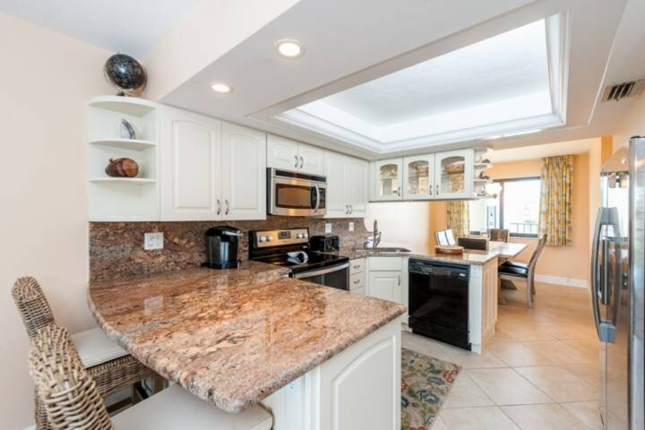 Fully Appointed Kitchen and Dining Room