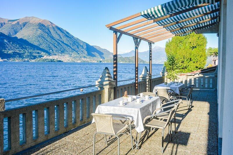 Bellagio Villas - Aida with balcony directly on the Lake, vacation rental in Lezzeno