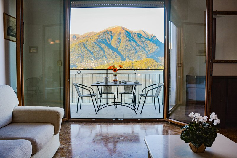 Bellagio Villas - Turandot with frontlake patio and direct access to the Lake, vacation rental in Lezzeno
