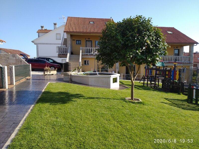 2 dormitorios y dos Baños con terrazas C01, aluguéis de temporada em Outeiro