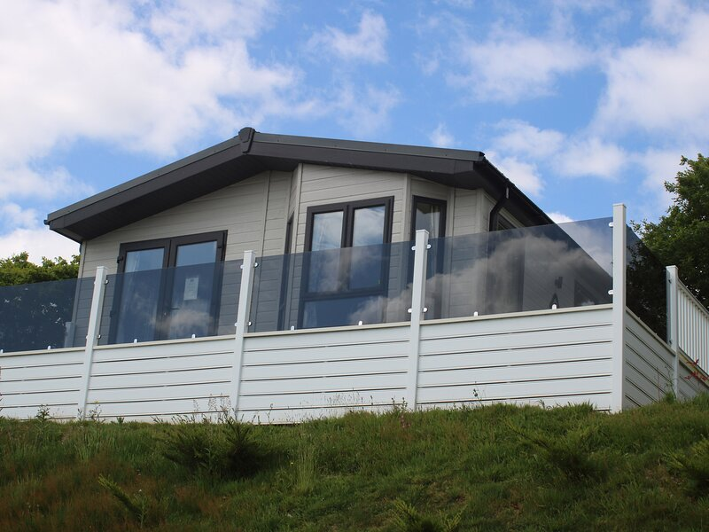 Lilac Lodge, Callington, vacation rental in Latchley