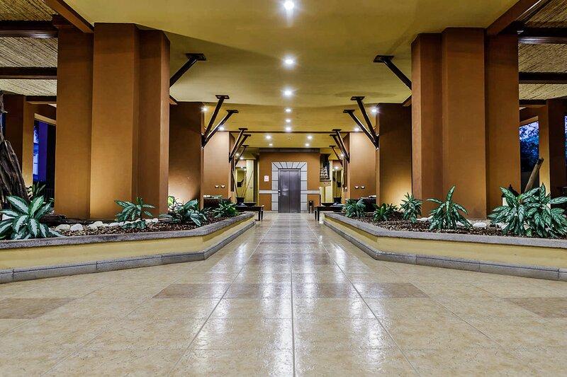 Comfortable 2 Bedrooms Condominium in Playa Langosta, holiday rental in Playa Langosta