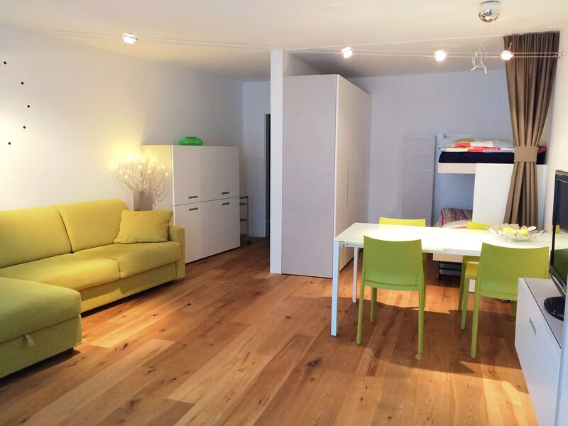 Parkareal (Utoring), vacation rental in Langwies