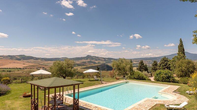 Luxury villa Tenuta Cipressi, holiday rental in Sarteano