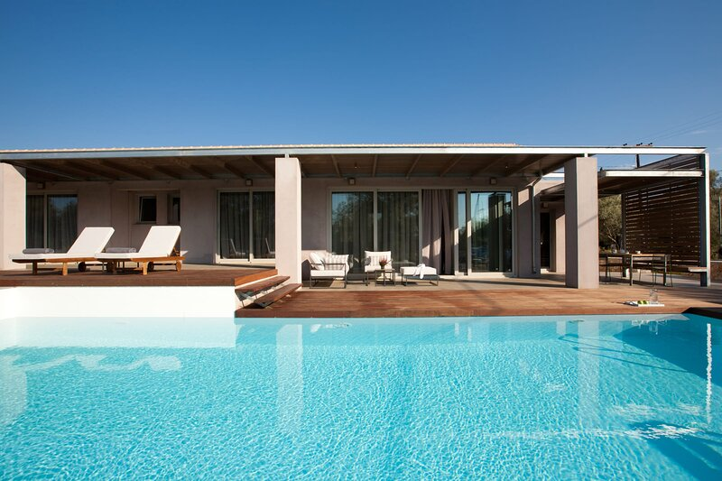 Kozanitis Brand New Exclusive Villa With Private Pool (Agrikies Villas), holiday rental in Frini