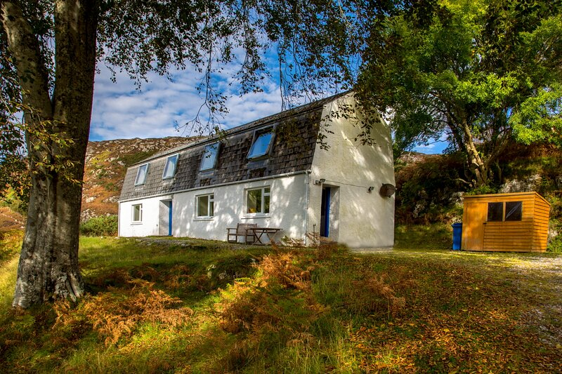 Comfortable converted croft house near Lochinver and Achmelvich, location de vacances à Drumbeg