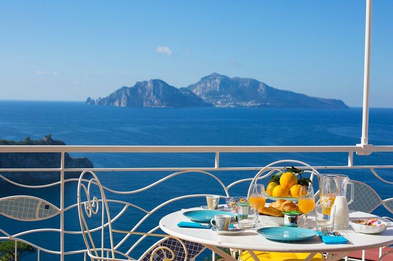 Il Sogno di Lina Sorrento Coast Capri Sea View, Ferienwohnung in Massa Lubrense