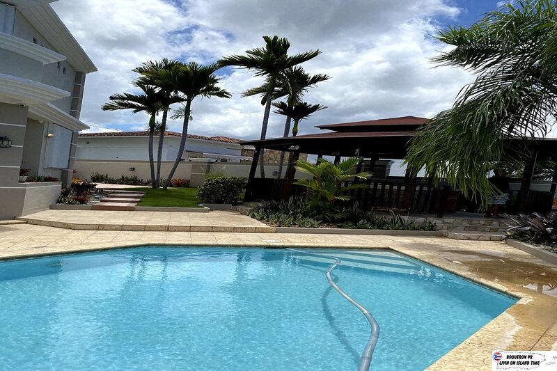 4 Bed | 4 Bath | Private Pool | Wi-Fi | Ocean Views, holiday rental in Boqueron
