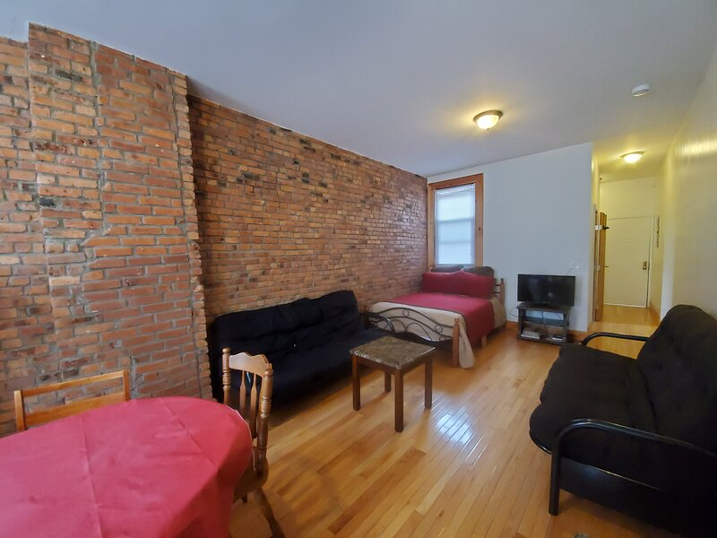 Great Bushwick Studio for 2, holiday rental in Ozone Park