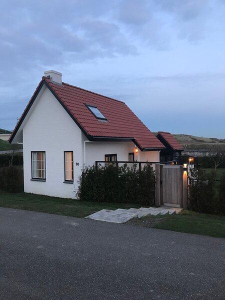 Schitterend gerenoveerd 5-persoonshuis, op een toplocatie (aan zee) in Breskens., alquiler vacacional en Breskens