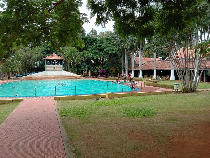 Luxury on the rocks! Villa near Bangalore airport, admist lush green landscape, vakantiewoning in Bangalore Rural District