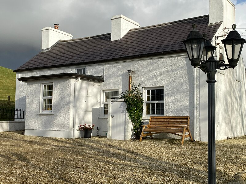 Tullywee Cottage, holiday rental in Dunkineely