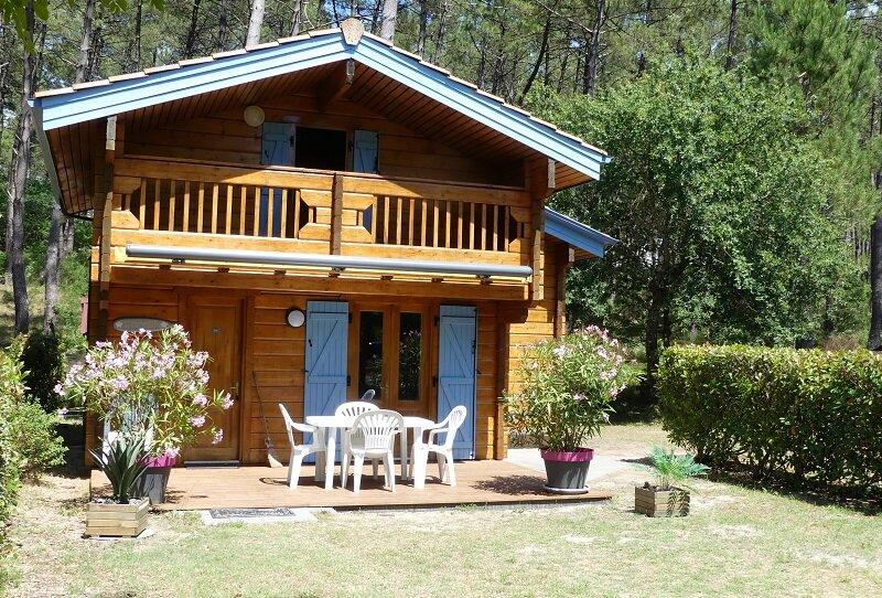 Chalet Bois 6 Personnes Classé 3* à BIAS Proche de MIMIZAN avec Clim et Wifi, holiday rental in Bias