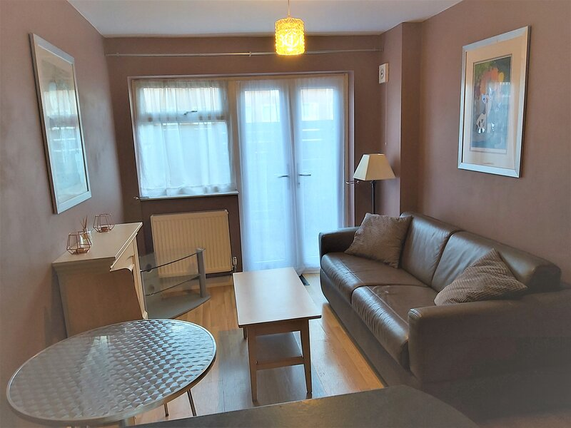 Woodford Apartment, vacation rental in Chigwell