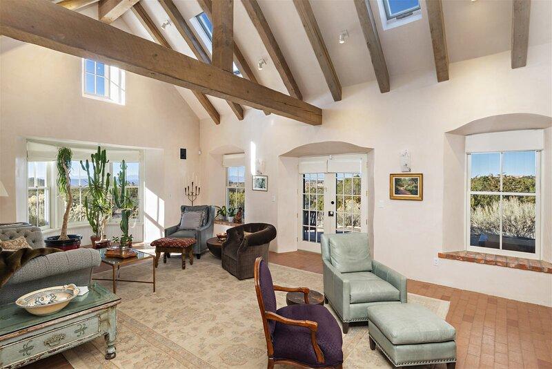 Arroyo Vista - Secluded Southwestern Luxury, holiday rental in Agua Fria