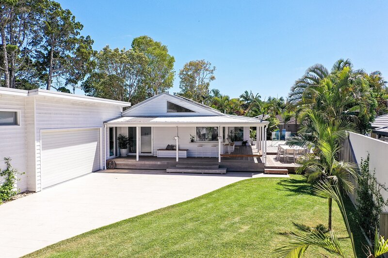 Your Luxury Escape - Paradise Palms, holiday rental in Hayters Hill