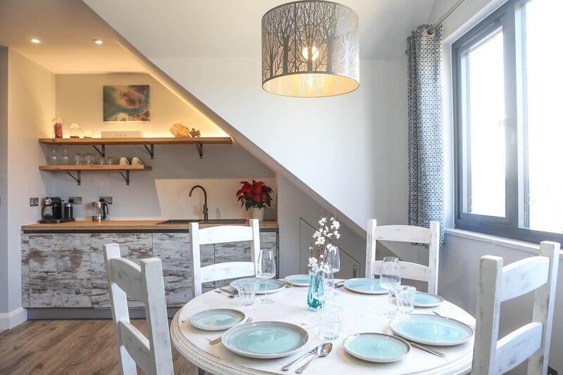 The Harbour Retreat : Luxury coastal hideaway in Birdham, Chichester Harbour, location de vacances à Bosham