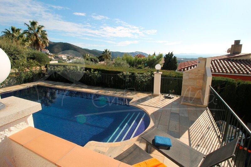 Casa Safita, piscina privada, hermosas vistas a la Bahía de Roses, Costa Brava, aluguéis de temporada em Pau