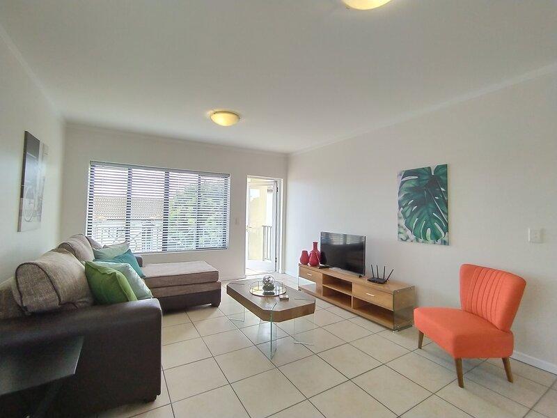 Nicholas' Apartment - Estate Swimming Pool | WIFI | Braai | DSTV + Netflix, holiday rental in Harkerville