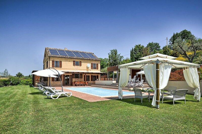 VILLA LAVANDA, vacation rental in Monte Giberto