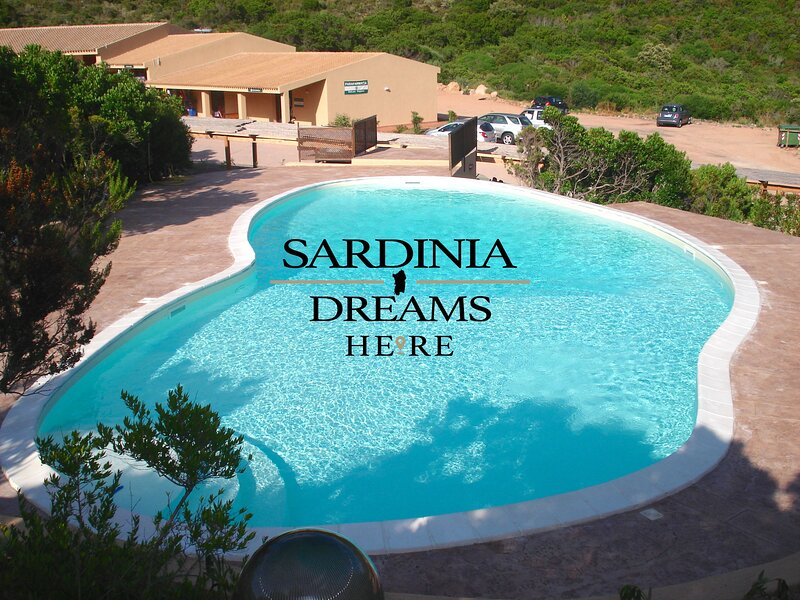 Villa Zaffiro con piscina a Costa Paradiso, vacation rental in Costa Paradiso