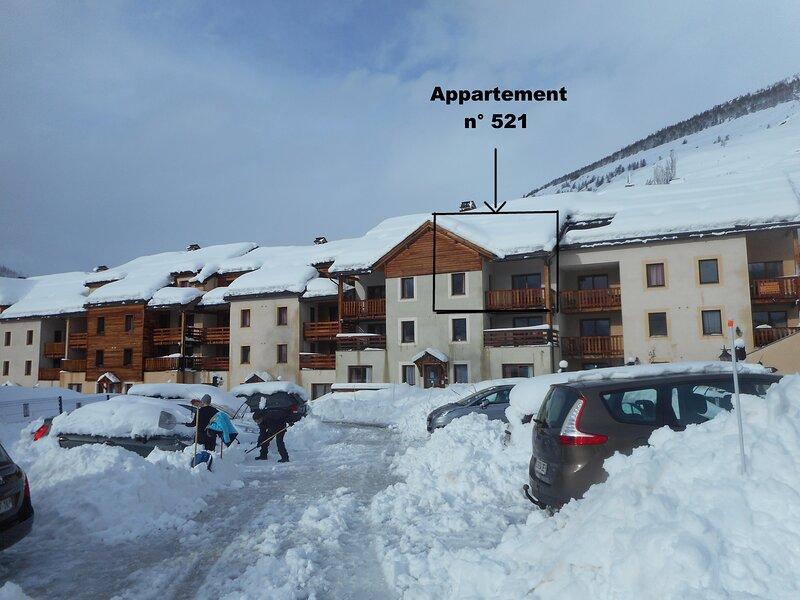 Appartement 8-10 personnes tout confort au coeur d'une station- village, holiday rental in Abries
