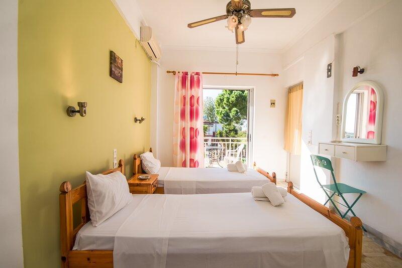 SouthGate 8, location de vacances à Agios Georgios