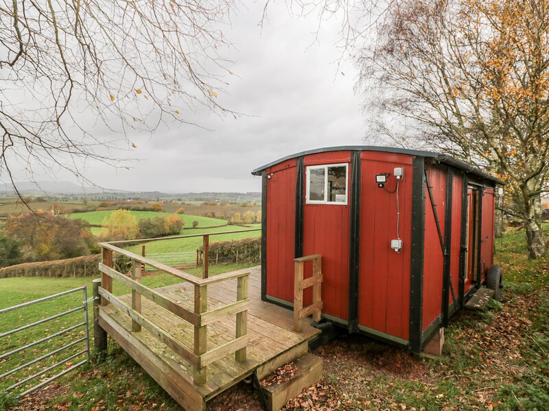 The Old GW Railway Waggon, Monmouth, holiday rental in Raglan