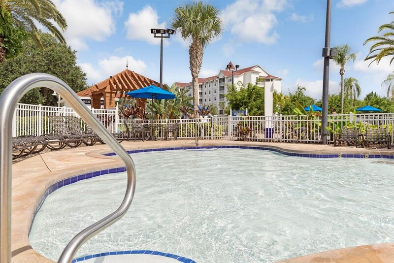 Perfect Orlando Getaway! 2 Lovely 3BR Units, Full Kitchen, Pool, Beach, vacation rental in Orlando