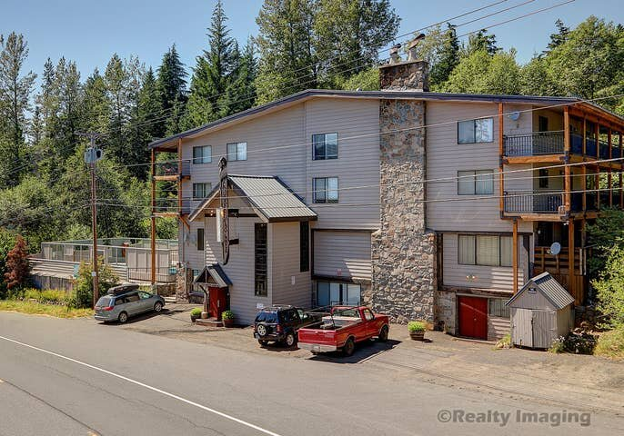 Mt Hood Condo -close to slope w/heated pool, holiday rental in Timberline Lodge